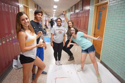Photo Gallery: Students Decorating Hallway Night Before Spirit Day