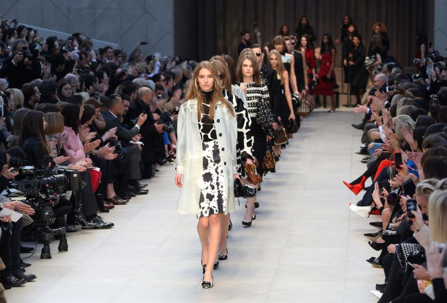 Models+wear+designs+created+by+Burberry+Prorsum+during+London+Fashion+Week%2C+at+Kensington+Gardens+in+west+London%2C+Monday%2C+Feb.+18%2C+2013.+%28Photo+by+Joel+Ryan%2FInvision%2FAP%29